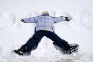 making_snow_angel_4630529_h