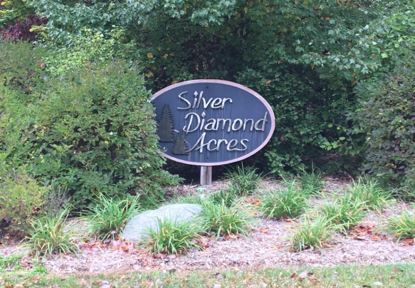 Entrance Sign of Silver Diamond Acres